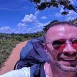 Húngaro sofre queda de parapente em MG, tira selfie e sobrevive a sete fraturas