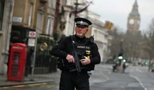 Autor do atentado em Londres é britânico e já tinha sido investigado por relação com terrorismo, diz May