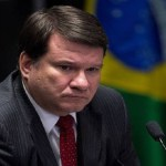 MP decide investigar atuação de advogado de Dilma na Uerj