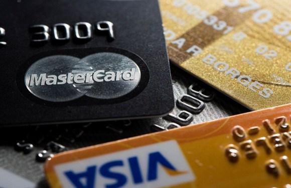 Travestis e transexuais podem ter nome social em cartões bancários