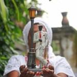 Mães e filhos de santo são expulsos de favelas por traficantes evangélicos