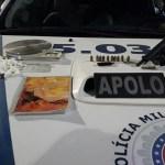 Dono de bar tenta subornar PMs com R$ 20 mil após ser flagrado com armas e drogas