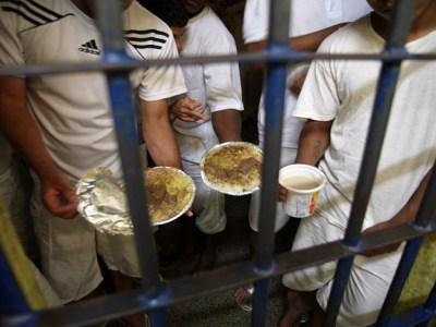 Defensoria pede indenização para todos os presos em celas superlotadas no DF