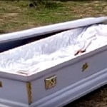 Sem dinheiro para cremação, português esconde cadáver de sua mãe por um mês