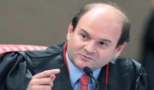 Temer nomeia Tarcísio Vieira de Carvalho Neto ministro do TSE