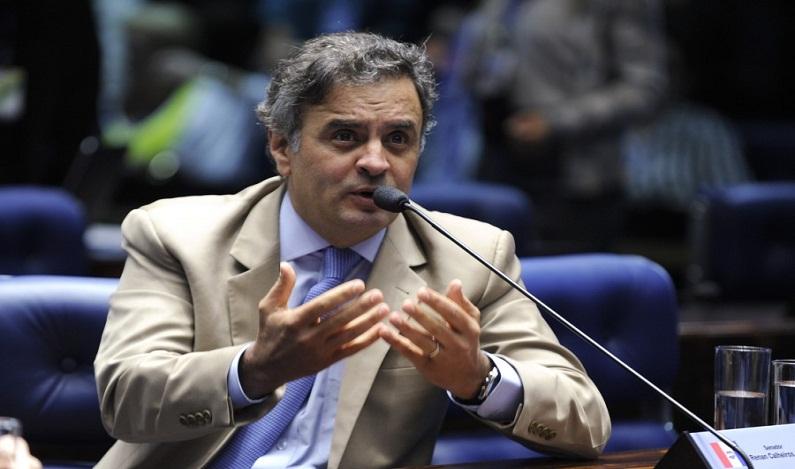 Gilmar Mendes proíbe PF de 'surpreender' Aécio