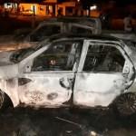 Participantes de bingo desconfiam de fraude e queimam carros que seriam entregues como prêmio