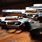 Menino é baleado no colo da mãe durante troca de tiros em Minas Gerais