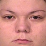 Mulher oferece serviços sexuais de filha de 3 anos e é presa nos EUA