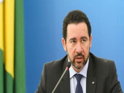 Reforma para militar será 'mais próxima possível' de civis, diz ministro