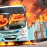 Em 24 horas, 22 ônibus, banco e delegacia são incendiados em Fortaleza