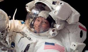Astronauta americana bate recorde de tempo no espaço