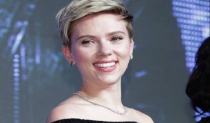 Atriz Scarlett Johansson considera se candidatar a um cargo político
