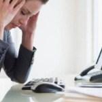 Alimentos que causam dor de cabeça, de acordo com estudos