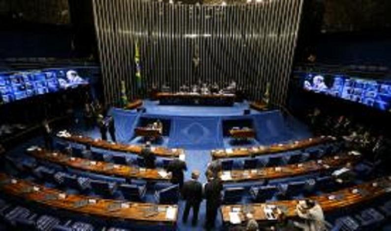 Projeto proíbe candidatura de réus à Presidência da República