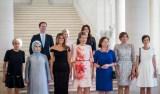 Marido de primeiro-ministro de Luxemburgo posa com primeiras-damas