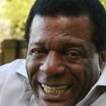 Morre no Rio o sambista Almir Guineto, fundador do Fundo de Quintal, aos 70 anos