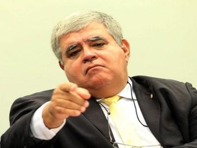 Marun pede afastamento do presidente da Comissão de Ética Pública