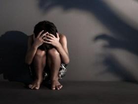 Homem é preso por estuprar filha e enteada, de 11 e 14 anos; vítimas eram mantidas presas em casa com irmãos
