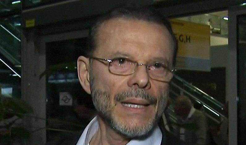 Alvo de mandado, ex-presidente do BNDES chega ao Brasil para ser ouvido pela PF