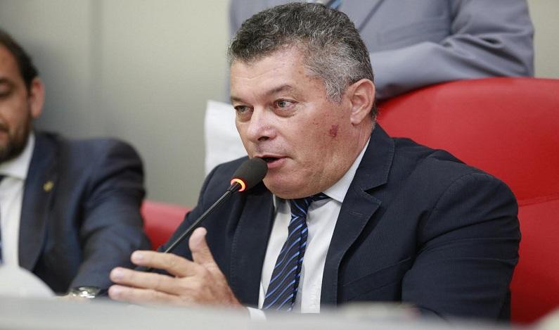 Edson Martins indica reforma na Delegacia de Polícia Civil de Presidente Médici