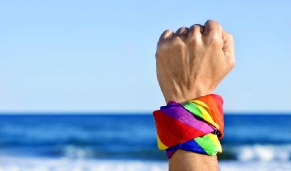 Califórnia aprova o uso do terceiro gênero em documentos públicos