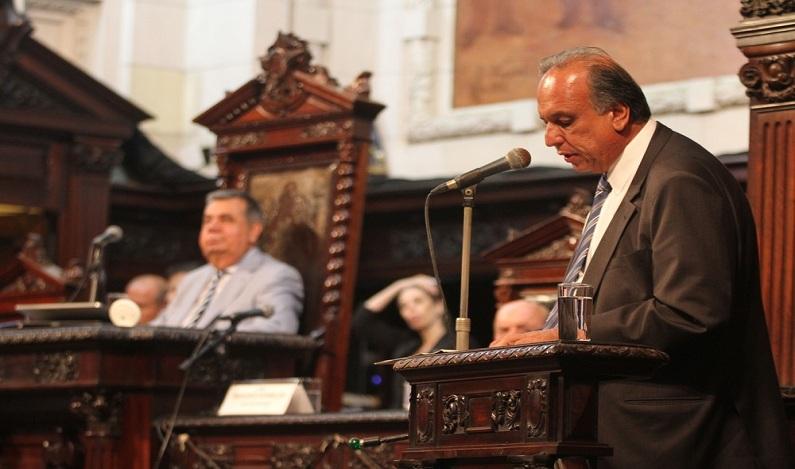 Picciani rejeita oito pedidos de impeachment contra Pezão