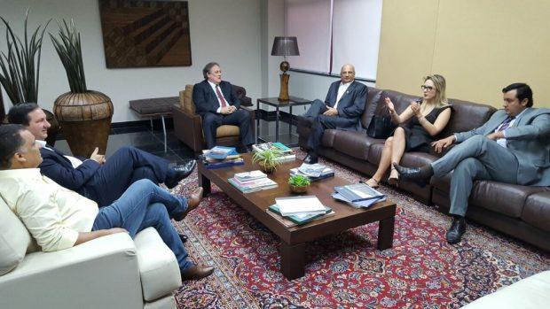 Deputados da oposição se reuniram com o presidente do TJMT, Rui Ramos, nesta segunda-feira (15) (Foto: Laura Petraglia/ ALMT)Deputados da oposição se reuniram com o presidente do TJMT, Rui Ramos, nesta segunda-feira (15) (Foto: Laura Petraglia/ ALMT)
