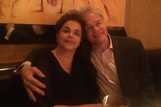 Dilma Rousseff e o amigo James Green, professor da Universidade de Brown (Reprodução/Facebook)