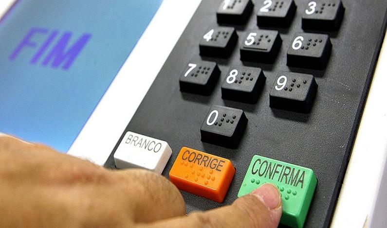 Senado abre consulta pública sobre fim do voto obrigatório; dê sua opinião