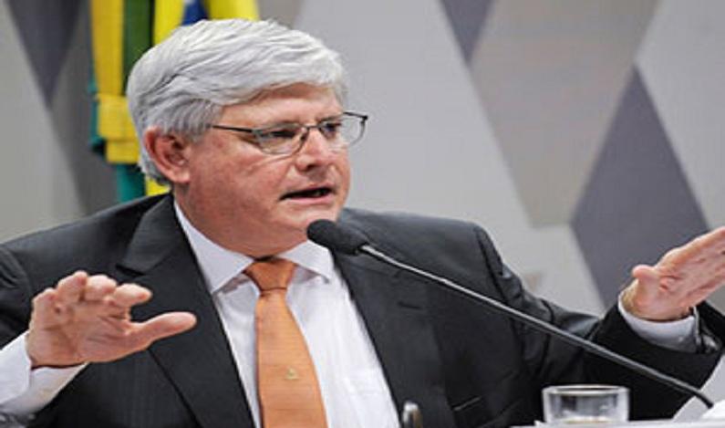 Janot vai ao STF para anular MP que deu foro a Moreira Franco