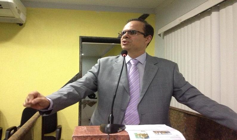 Alan Queiroz pede melhorias para a rua Camélias, no Jardim Eldorado II
