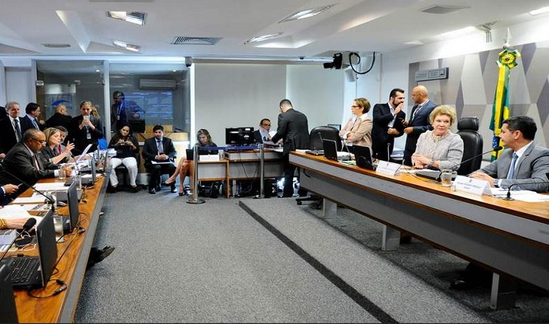 Empresas privadas devem R$ 450 bilhões à Previdência, mostra relatório final da CPI