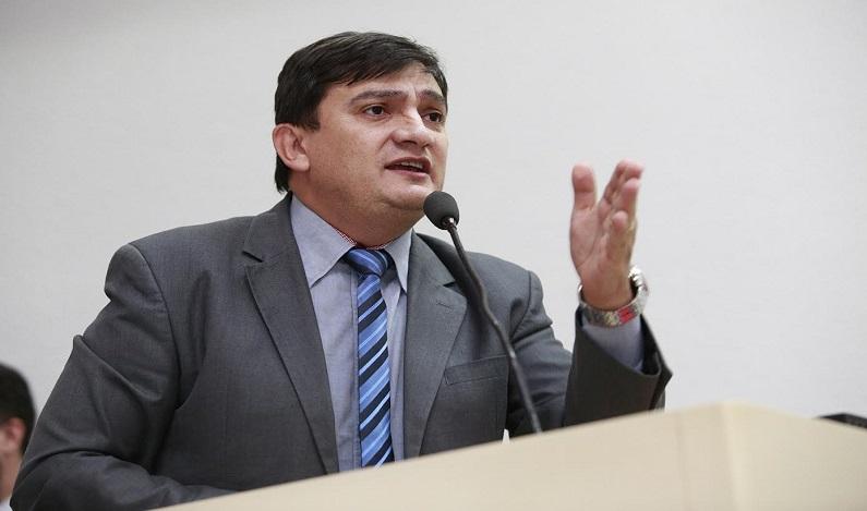 """Cleiton Roque pede """"Operação Tapa-Buracos"""" para RO 473"""