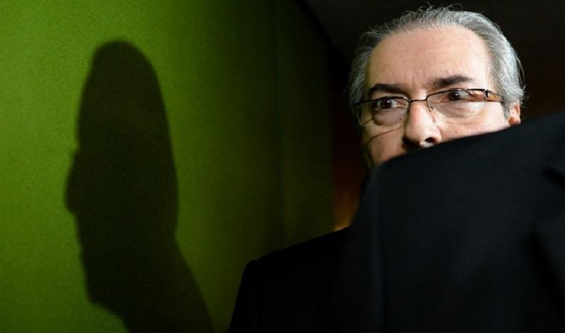 Cunha entrega anexos de delação premiada à PGR, diz jornal