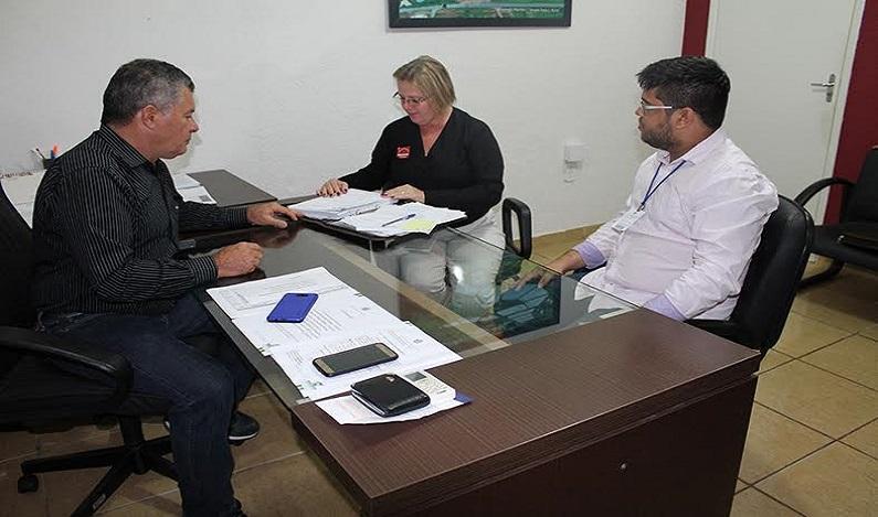 Deputado Edson Martins destina emenda parlamentar para aquisição de tablets