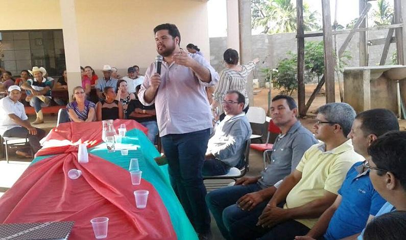 Jean Oliveira visita vários municípios e reúne lideranças e populares