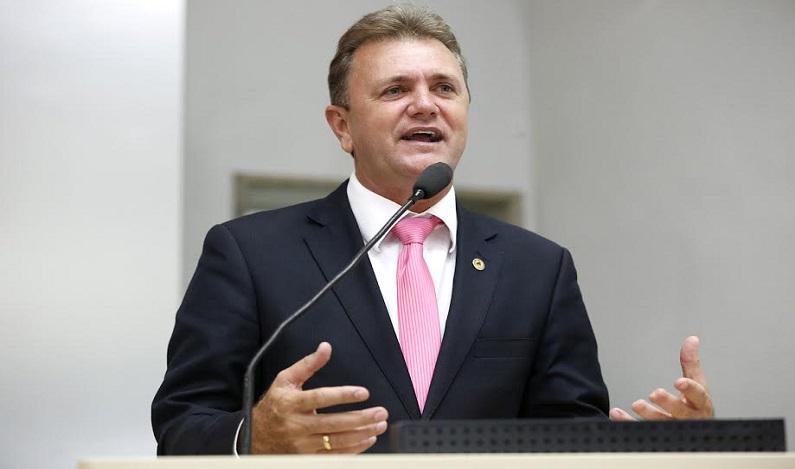 Luizinho Goebel pede que governo evite o manejo dos servidores cedidos a saúde dos munícipios