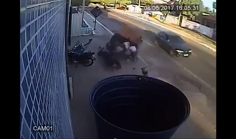 Estudantes são atingidas por reboque que se solta de carro, no Ceará; veja vídeo