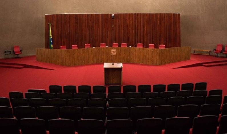 Ministros do TSE tentam ganhar tempo para julgar Temer após prisão de aliado