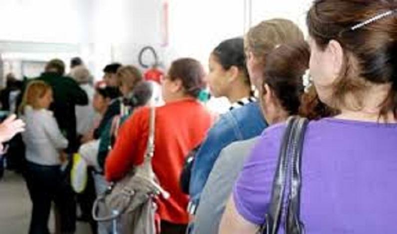 Sancionada lei que obriga órgão público a informar tempo de espera