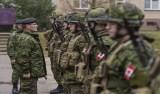 Após veto de Trump, Canadá convida transgêneros ao alistamento militar