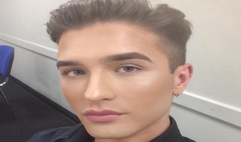 Homem é discriminado pelo chefe por usar maquiagem no trabalho
