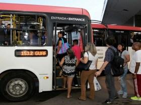 Distritais aprovam projeto que dá passagem grátis a desempregados