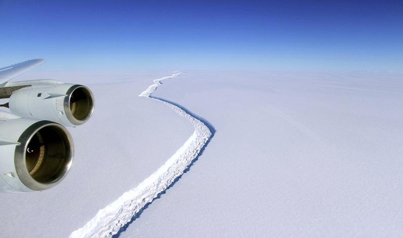 Após meses de expectativa, iceberg maior que o Distrito Federal se descola da Antártida