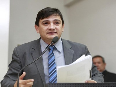 Deputado Cleiton Roque concede título de Cidadão de Rondônia a Miguel de Souza