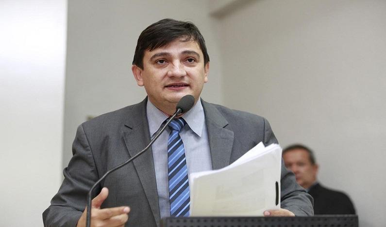 Cleiton Roque acompanha vice-prefeito e vereadores de Espigão do Oeste durante agenda na capital