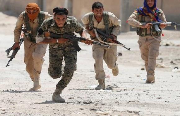Combates na Síria matam pelo menos 35 membros do Estado Islâmico