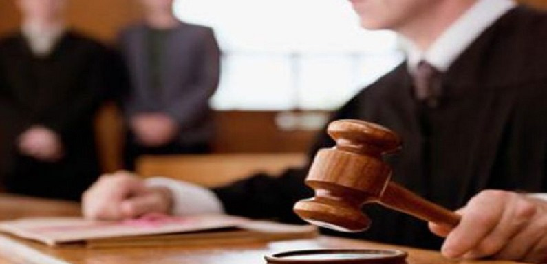 Projeto determina que crimes de corrupção sejam julgados por júri popular; vote