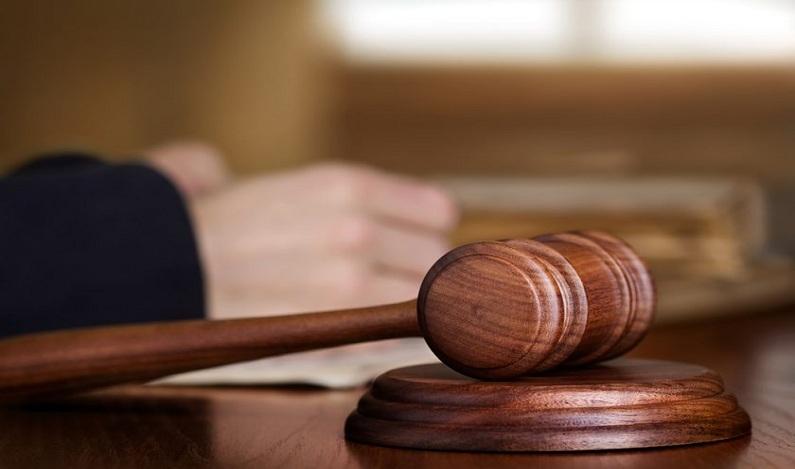 Policial civil pagará R$ 10 mil de indenização a idoso algemado durante discussão